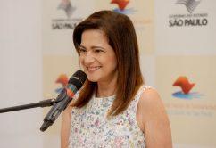 Professora Lúcia recebe alunos da Escola de Qualificação para formatura