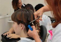 """Como doar cabelo para o projeto """"Solidariedade em Fios"""" do Fundo Social?"""