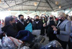 Distribuição de cobertores novos, sacochilas, sacos térmicos de dormir e pares de meias, na Casa de Oração do Povo de Rua
